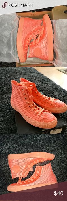 Converse Chuck Taylor All Star Hi Top Big Kid Sz 7 Converse BNIB Chuck Taylor Textured High Top Big Kid Size 7 in Hyper Orange color. Unisex. Can fit on women siZe 5.5 to 6.5. Super bright and chick. Retail for $55+ tax make me an offer Converse Shoes Sneakers