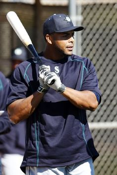 Mariner's adding some offensive power in Nelson Cruz