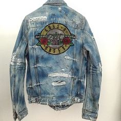 'Destruction' Guns n Roses x Mike Amiri Rugged Style, Jacket Style, Jeans Style, Denim Jacket Men, Denim Jackets, Denim Art, Big Men Fashion, Destroyed Jeans, Latest Outfits