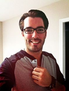 Glasses only make Jonathan Scott more adorable!
