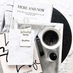 Minimal black and white flatlay via Flat Lay Inspiration, Layout Inspiration, Flat Lay Photos, Flat Lay Photography, Yellow Photography, Food Photography, Flatlay Styling, Packaging, Stationery Paper