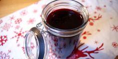 Skøn hjemmelavet kirsebærsovs med portvin, appelsin og vanilje. Perfekt til den traditionelle ris a la mande.