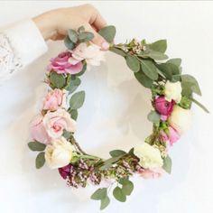 How to make a flower crown - Monika Hibbs