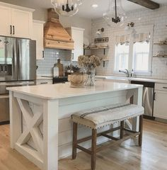 If you are looking for Modern Farmhouse Kitchen Island Decor Ideas, You come to the right place. Here are the Modern Farmhouse Kitchen Island D. New Kitchen, Kitchen Style, Modern Farmhouse Kitchens, Kitchen Design, Farmhouse Kitchen Island, Kitchen Remodel, Kitchen Island Decor, Farmhouse Kitchen Decor, Kitchen Layout