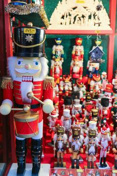 Nutcrackers in all sizes at the Nuremberg Christmas Market