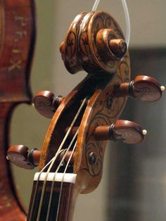 Early Music, Cello, Musical Instruments, Old Photos, Baroque, Musicals, Islamic Quotes, Antiques, Wood Carving