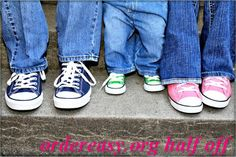 0ce3becaf772d5 A cute family photo of the mom in pink converse