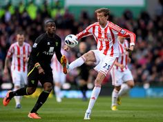 ~ Peter Crouch of Stoke City against Norwich City ~ Passion Of The Soul, Peter Crouch, Stoke City Fc, Premier League, Soccer, Football, Running, My Love, Sports