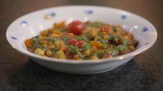 Groentestoofpot met kikkererwten en pesto - Dagelijkse Kost by Jeroen Meus