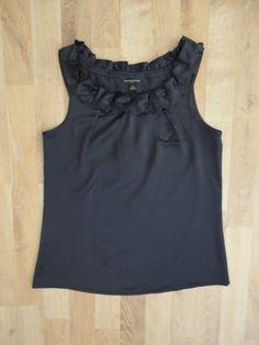 Blusa de satén azul, sin mangas, cuello redondo con volados #BananaRepublic #SinUso #ModaSustentable. Compra esta prenda en www.saveweb.com.ar!
