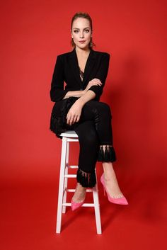 Elizabeth Gillies – Photographed by Jillian Sollazzo for Women's Wear Daily Elizabeth Gillies, Liz Gilles, White Girls, Boss Lady, Beauty Women, Celebrity Style, Ideias Fashion, Celebs, Actresses