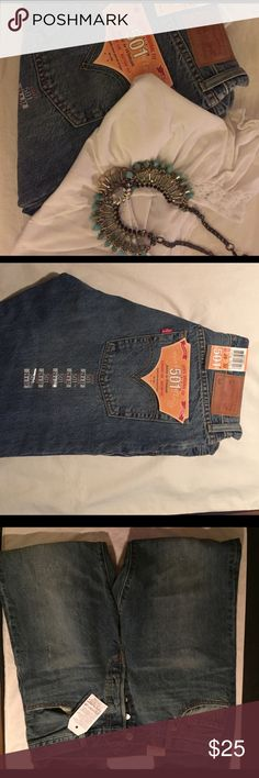 NWT women's 501 in Laurel Haze. Size 29/32. NWT Levi 501s in Laurel Haze. Really authentic vintage look to this wash. Jeans have never been worn. 100% cotton with holes and abrasions on both knees. Higher waist and authentic button fly. Great pair of jeans at a great price. Levi's Jeans Boyfriend