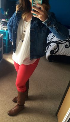 Coral pants. Outfit neutral colored (white) and casual (denim jacket).