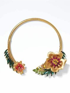 Put the finishing touches on an amazing look with necklaces for women from Banana Republic. Find a new necklace today. Gems Jewelry, Jewelery, Jewelry Accessories, Women Jewelry, Necklace Sizes, Collar Necklace, Flower Choker, Or Rose, Jewelry Making