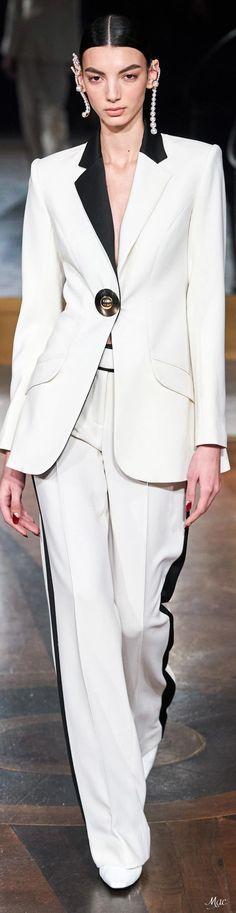 Source by danapfeffer fall 2020 women Catwalk Fashion, Suit Fashion, Fashion Looks, Fashion Outfits, 2020 Fashion Trends, Fashion 2020, Female Tux, Black And White Style, Prabal Gurung