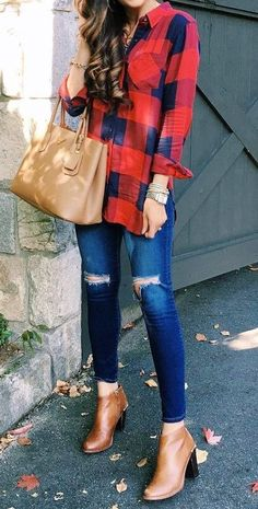 Plaid. Jeans. Ankle boots. Cute bag. Pretty much definition of fall style.