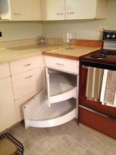 large shelves swing out from the back corner = one option for the kitchen cabinets - in 2019 Smart Kitchen, Kitchen Modular, Best Kitchen Cabinets, Diy Kitchen Storage, Kitchen Corner, Kitchen Shelves, Kitchen Items, 50s Kitchen, Kitchen Decor