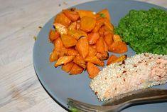 Sesamlaks med bagte gulerødder og ærtemos