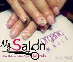 $ 150      Uñas acrílicas. Punta cuadrada. Palo de rosa. 3D moños. Swarovsky. Organic Nails. Desing by Sarii Estrada