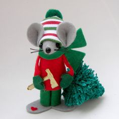Christmas Ornament Mouse Tree Chopper Collectable Felt mice Animal Collectible Red and Green