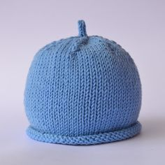Best 12 A basic baby hat in different sizes, Pattern in Italian. Baby Hats Knitting, Knitting For Kids, Crochet For Kids, Knitting Projects, Crochet Baby, Knitted Hats, Knit Crochet, Knitting Patterns, Crochet Patterns