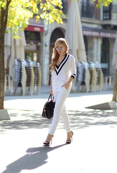 Nasty Gal sweater  |  Zara pants (similar here) and shoes  |  Givenchy 'Antigona' bag  |  Dior earrings