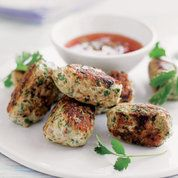 Thai Sesame Chicken Patties Serve four of five of these delicious Thai sesame chicken patties with salad for a healthy summer dish or serve them as canapes or a starter for a dinner party christmas appetisers Chicken Patty Recipes, Chicken Cake, Party Chicken, Asian Recipes, Healthy Recipes, Sweet Chilli Sauce, Sweet Chili, Sesame Chicken, Thai Chicken