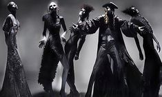 Fashion photographer Nick Knight has unveiled a dramatic series of images captured backstage during designer Alexander McQueen's 2004 show. It is the first time the  photos have been seen in public.