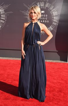 Julianne Hough is classic and stunning in Emilio Pucci.