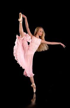 Maria Doval Ballet.