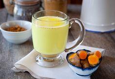 Tervendav ja vürtsikas kurkumipiim leevendab külmetushaiguste sümptomeid, stressi ja seedeprobleeme - Alkeemia