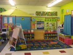 A kindergarten classroom setup. Bright, but maybe too busy? Classroom Layout, Classroom Organisation, New Classroom, Classroom Setting, Teacher Organization, Classroom Design, Kindergarten Classroom, Classroom Themes, Teacher Tools