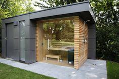 Garden sauna by garden protagonist - Find construction and furnishing projects by experts for ideas and inspiration. Garden sauna by gar - Backyard Sheds, Modern Backyard, Backyard Garden Design, Saunas, Outdoor Sauna, Jacuzzi Outdoor, Outdoor Decor, Design Sauna, Hot Tub Garden