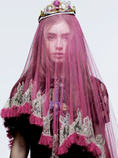 Lily Collins /pink /crown /veil / I don't mean rhinestones! Lily Collins, Mode Simple, Princess Aesthetic, Fashion Photography, Portraits, Style Inspiration, Boho, Celebrities, Pretty