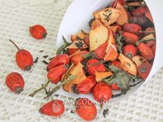 Dried tea with mint, apple and rosehip, r .- Dried tea with mint, apple and rosehip, recipe with photo Source by fotim - Smoothie Drinks, Smoothie Recipes, Smoothies, Cheap Rice Cooker, Good And Cheap, Food Photo, Tea Time, Tea Party, Food And Drink