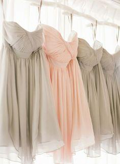idées mariage rose et gris robe de mariée poudré blush demoiselle honneur style me pretty Carnet d'inspiration mariage Mademoiselle Cereza