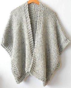 It doesn't get comfier or warmer than this cozy, beginner friendly knit kimono. Made with super bulky yarn and large needles, it works up fairly quickly and is a dream to wear on cold days. Knit Kit - Telluride Easy Knit Kimono in Easy Knitting Patterns, Knitting Kits, Loom Knitting, Free Knitting, Shrug Knitting Pattern, Easy Knitting Projects, Knitting Ideas, Knitting Stitches, Knitting Patterns For Scarves