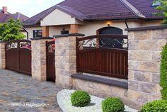 Cerca para la casa Grill Gate Design, Fence Gate Design, Modern Fence Design, House Gate Design, Concrete Fence Wall, Concrete Block Walls, Cinder Block Walls, Front Garden Ideas Driveway, Backyard Gates