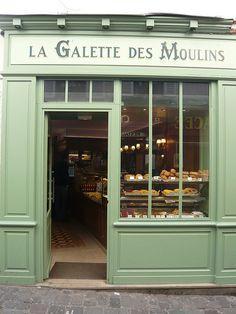 patisserie/bakery shop front