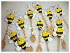 Colherinha de abelha para docinhos no copinho... R$ 1,60