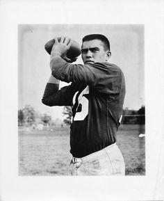 August 5, 1940: two-time all-American quarterback Roman Gabriel, Jr. was born in #Wilmington #football #sports