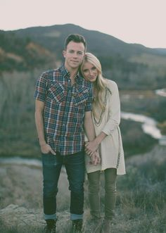 Sweet Engagement Photo and Poses Ideas / www. - Sweet Engagement Photo and Poses Ideas / www. Engagement Photo Poses, Engagement Inspiration, Engagement Couple, Engagement Photography, Wedding Photography, Engagement Ideas, Engagement Pictures Outfits, Fall Engagement Outfits, Mountain Engagement Photos