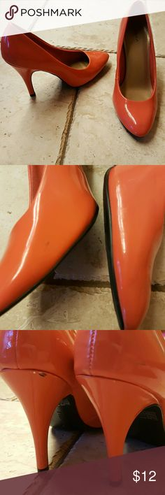 Coral heels Gently worn coral heels! Comfy fabric lined on inside for comfort, some scratches but barely noticeable. FIONI Clothing Shoes Heels