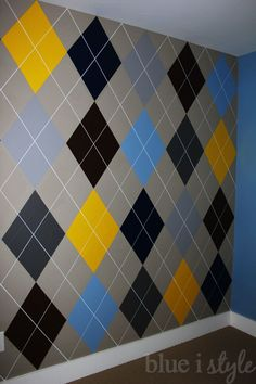 Blue i Style: {decorating with style} Argyle Wall Tutorial AND Superstar Tips for Any Painting Project Bedroom Wall Designs, Accent Wall Bedroom, Wall Art Designs, Paint Designs, Wall Paint Patterns, Painting Patterns, Painting Designs On Walls, Wall Painting Decor, Wall Decor