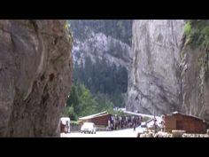 Parcul Național Cheile Bicazului Hășmaș - YouTube Romania, Drum, Road Trip, Youtube, Painting, Park, Road Trips, Painting Art, Paintings