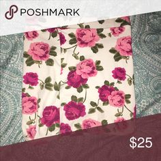 Selling this Fit-to-Body Floral Skirt on Poshmark! My username is: mkatho. #shopmycloset #poshmark #fashion #shopping #style #forsale #Forever 21 #Dresses & Skirts