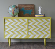 English Yellow. Ici, plus moderne. J'adore!