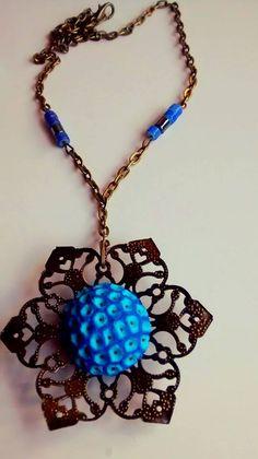 flor azul. Arcilla polimerica