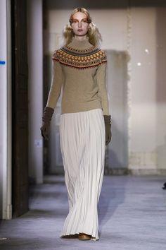 Veronique Branquinho Ready To Wear Fall Winter 2015 Paris - NOWFASHION