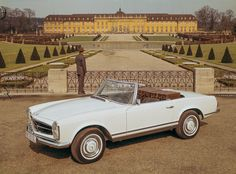 "Mercedes-Benz SL of the W 113 series, ""Pagoda""."
